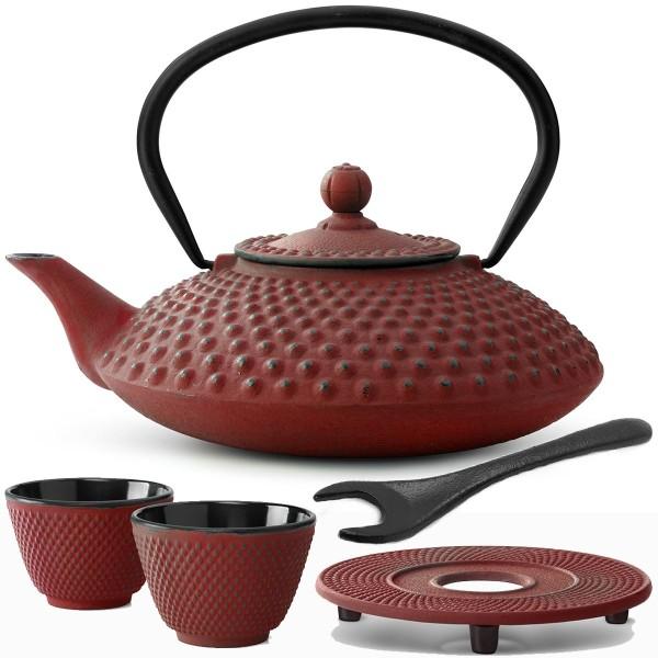 rote gusseiserne Teekanne Set Xilin mit Untersetzer 2 Becher & Deckelheber 1,25 Liter