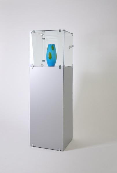 kleine abschließbare Haubenvitrine Glas Exponatvitrine mit Staufach - Art.-Nr. AB32-32-130-ob-mfach-grau