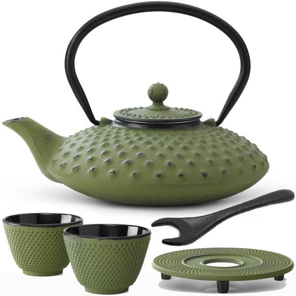 grüne gusseiserne Teekanne Set Xilin mit Untersetzer 2 Becher & Deckelheber 0,8 Liter