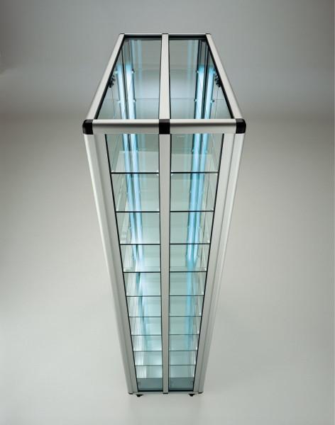 große verschließbare beidseitige Glas Wandvitrine staubdicht beleuchtet 2 x 40 W - Art.-Nr. OL9943D-mb